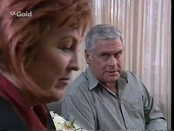 Cheryl Stark, Lou Carpenter in Neighbours Episode 2669