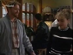 Greg Mundy, Debbie Martin in Neighbours Episode 2670