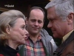 Helen Daniels, Philip Martin, Lou Carpenter in Neighbours Episode 2670