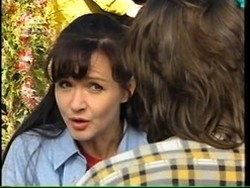 Susan Kennedy, Darren Stark in Neighbours Episode 2766