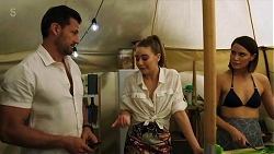 Pierce Greyson, Chloe Brennan, Elly Conway in Neighbours Episode 8320