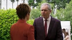 Susan Kennedy, Karl Kennedy in Neighbours Episode 8322