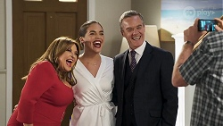 Terese Willis, Paige Smith, Paul Robinson, Des Clarke in Neighbours Episode 8322