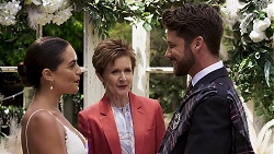 Paige Smith, Susan Kennedy, Mark Brennan in Neighbours Episode 8322