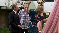 Paul Robinson, Des Clarke, Jane Harris in Neighbours Episode 8322