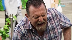 Des Clarke in Neighbours Episode 8323