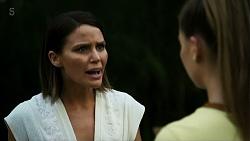 Elly Conway, Chloe Brennan in Neighbours Episode 8323