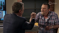 Paul Robinson, Des Clarke in Neighbours Episode 8324