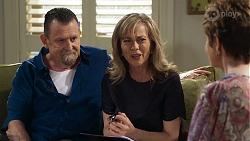 Des Clarke, Jane Harris, Susan Kennedy in Neighbours Episode 8324