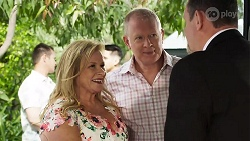Sheila Canning, Clive Gibbons, Des Clarke in Neighbours Episode 8324