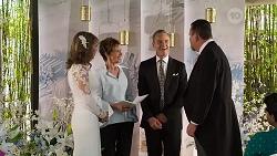 Jane Harris, Susan Kennedy, Paul Robinson, Des Clarke in Neighbours Episode 8324