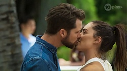Mark Brennan, Paige Smith in Neighbours Episode 8324
