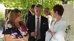Terese Willis, Des Clarke, Paul Robinson, Jane Harris, Susan Kennedy in Neighbours Episode 8324