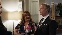 Des Clarke, Jane Harris, Terese Willis, Paul Robinson in Neighbours Episode 8324