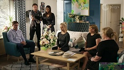 Kyle Canning, Shane Rebecchi, Dipi Rebecchi, Roxy Willis, Terese Willis, Sheila Canning in Neighbours Episode 8330