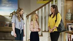 Mackenzie Hargreaves, Roxy Willis, Trish Symington in Neighbours Episode 8334