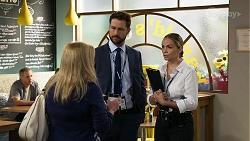 Sheila Canning, Mark Brennan, Sky Mangel in Neighbours Episode 8336