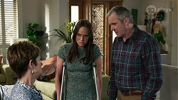 Susan Kennedy, Bea Nilsson, Karl Kennedy in Neighbours Episode 8339