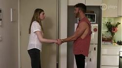 Mackenzie Hargreaves, Mannix Foster in Neighbours Episode 8339