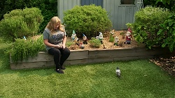 Sheila Canning, Gary the Pigeon in Neighbours Episode 8339