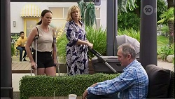 Bea Nilsson, Claudia Watkins, Karl Kennedy in Neighbours Episode 8341