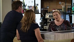Kyle Canning, Terese Willis, Sheila Canning in Neighbours Episode 8345