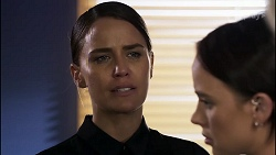 Elly Conway, Bea Nilsson in Neighbours Episode 8345