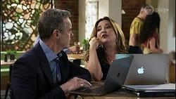 Paul Robinson, Terese Willis in Neighbours Episode 8346