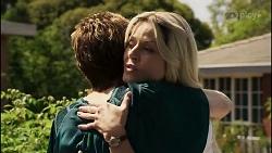 Susan Kennedy, Dee Bliss in Neighbours Episode 8352