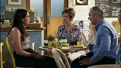 Bea Nilsson, Susan Kennedy, Karl Kennedy in Neighbours Episode 8352