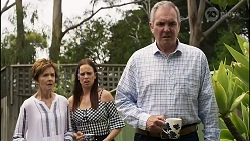 Susan Kennedy, Bea Nilsson, Karl Kennedy in Neighbours Episode 8356
