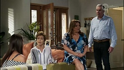 Bea Nilsson, Susan Kennedy, Terese Willis, Karl Kennedy in Neighbours Episode 8356