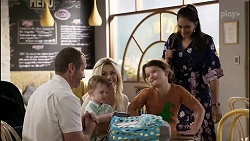 Toadie Rebecchi, Hugo Somers, Dee Bliss, Nell Rebecchi, Dipi Rebecchi in Neighbours Episode 8357