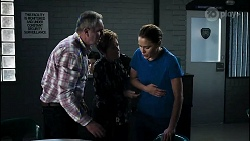 Karl Kennedy, Susan Kennedy, Elly Conway in Neighbours Episode 8358