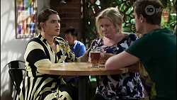 Naomi Canning, Sheila Canning, Kyle Canning in Neighbours Episode 8358
