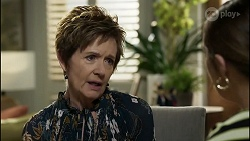 Susan Kennedy, Naomi Canning in Neighbours Episode 8358
