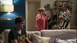 Kyle Canning, Sheila Canning, Naomi Canning in Neighbours Episode 8358