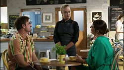 Kyle Canning, Roxy Willis, Naomi Canning in Neighbours Episode 8359