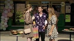 Mackenzie Hargreaves, Hendrix Greyson, Harlow Robinson in Neighbours Episode 8360