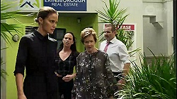 Elly Conway, Bea Nilsson, Susan Kennedy, Toadie Rebecchi in Neighbours Episode 8365