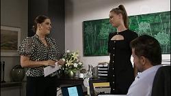Naomi Canning, Chloe Brennan, Pierce Greyson in Neighbours Episode 8368