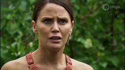 Elly Conway in Neighbours Episode 8371