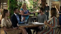 Chloe Brennan, Pierce Greyson, Sheila Canning, Ned Willis, Naomi Canning in Neighbours Episode 8372