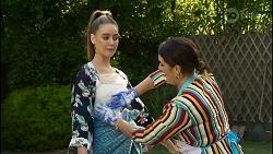 Chloe Brennan, Naomi Canning in Neighbours Episode 8372