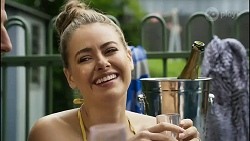 Pierce Greyson, Chloe Brennan in Neighbours Episode 8373