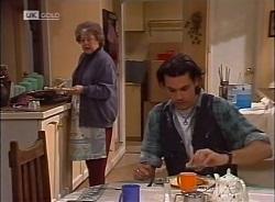 Marlene Kratz, Sam Kratz in Neighbours Episode 2207