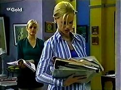 Joanna Hartman, Lisa Elliot in Neighbours Episode 2809