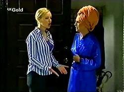 Lisa Elliot, Ruth Wilkinson in Neighbours Episode 2810