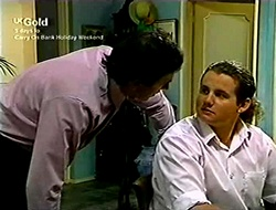 Karl Kennedy, Toadie Rebecchi in Neighbours Episode 2812