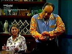 Helen Daniels, Philip Martin in Neighbours Episode 2812